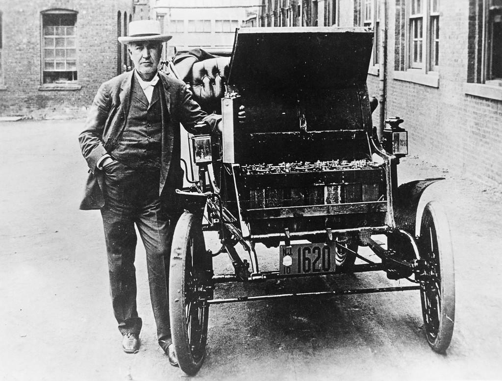 Первый авто на электричестве